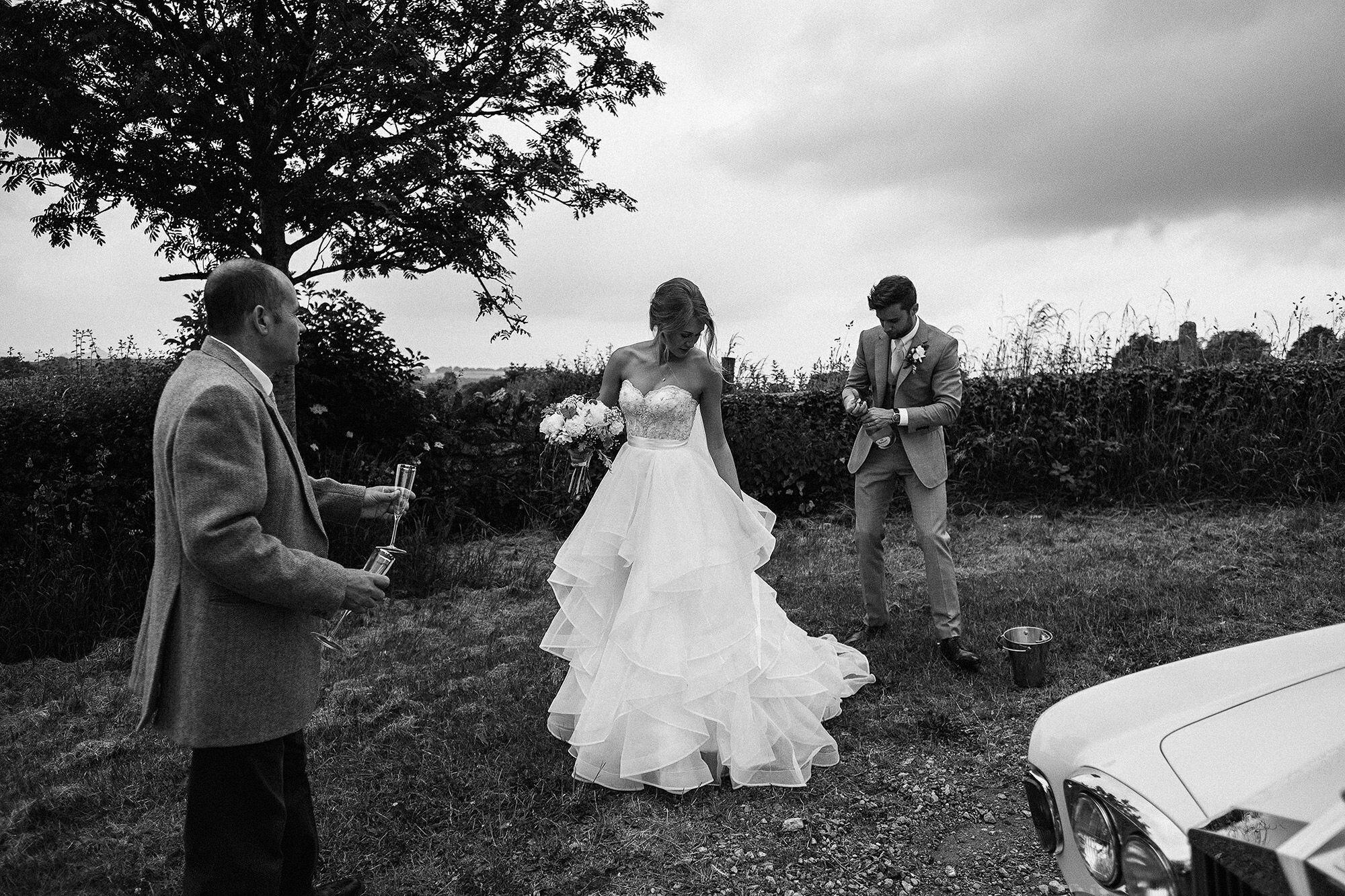 taisy-matthew-wed-2016-0389